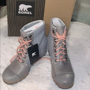 Sorel 1964 Premium Wedge Boots - Gray 7.5 NEW